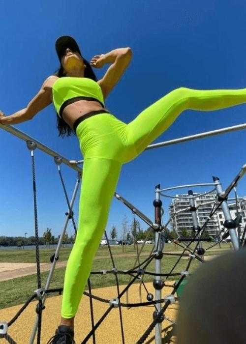 BOLDNESS high-waisted basic leggings